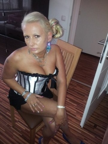 My friends hot mom